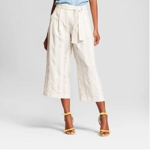 Who What Wear cropped pants; worn once; 10